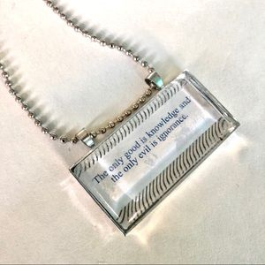 Fortune cookie Good Knowledge pendant necklace